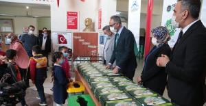 Eyyübiye'de Öğrencilere Çevreci Çocuk Seti Dağıtıldı