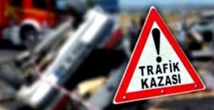 Otomobiller Kafa Kafaya Çarpıştı: 1 ölü, 1 yaralı