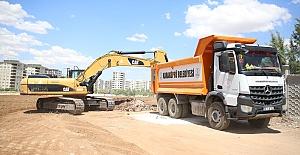 Karaköprü Çamlıyayla Mahallesinde yeni yol açma çalışması