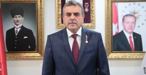 """Başkan Beyazgül, Urfa'ya """"Şanlı"""" Unvanı Verilişinin Yıldönümünü Kutladı"""