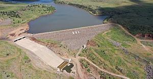 Siverek Külhan Barajı ile 2 bin 440 dekar alan suyla buluştu