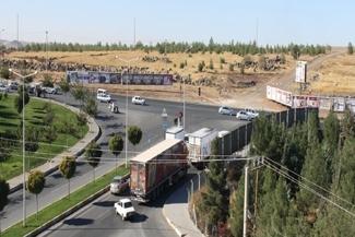 Çevre yolu için askeriye içinde yol açıldı