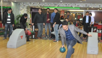 AK Gençlik Bowling turnuvasında VİDEO