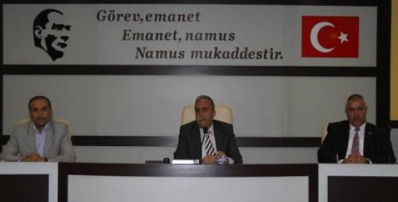 Belediye Meclisinde niçin AK Partiye geçtin tartışması