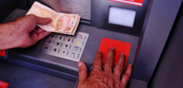 Bankadaki hesabından para çaldıranlar dikkat