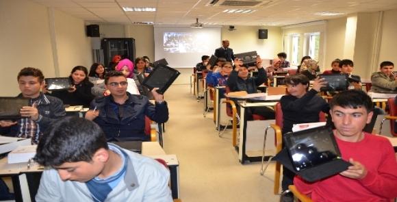 Şanlıurfalı öğrenciler Fatih tableti ile tanıştılar