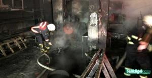 Eyyübiye'de çıkan yangın, iş yerini küle çevirdi