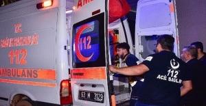 Siverek'te Otomobil Şarampole Yuvarlandı: 2 Yaralı