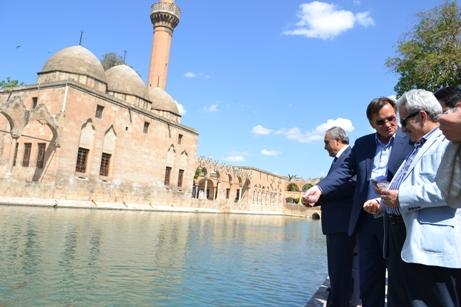 Bosna-Hersek Eski Cumhurbaşkanı Silajdzıc Balıklıgöl'de