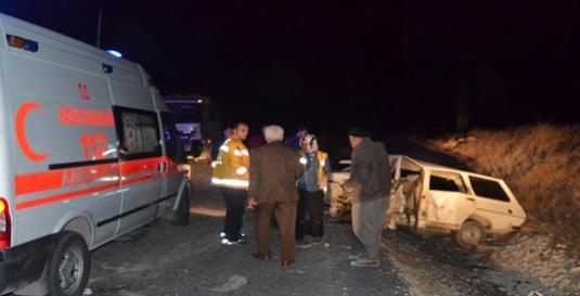 Şanlıurfa'da kaza: 5 yaralı VİDEO