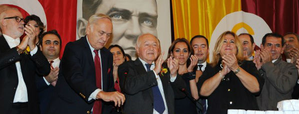 Galatasaray'ın 35. Başkanı Duygun Yarsuvat seçildi