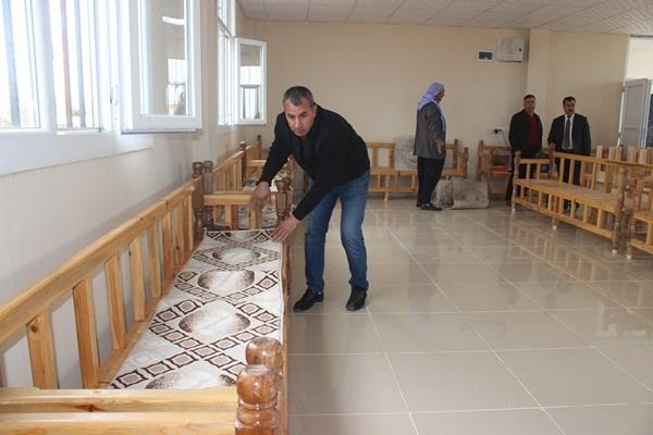 Siverek Belediyesi malzeme desteğinde bulundu