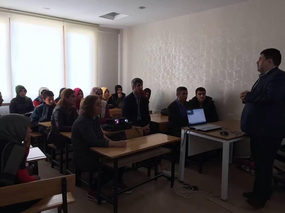 Şanlıurfa Yenişehir Gençlik İstiklal Marşını andı