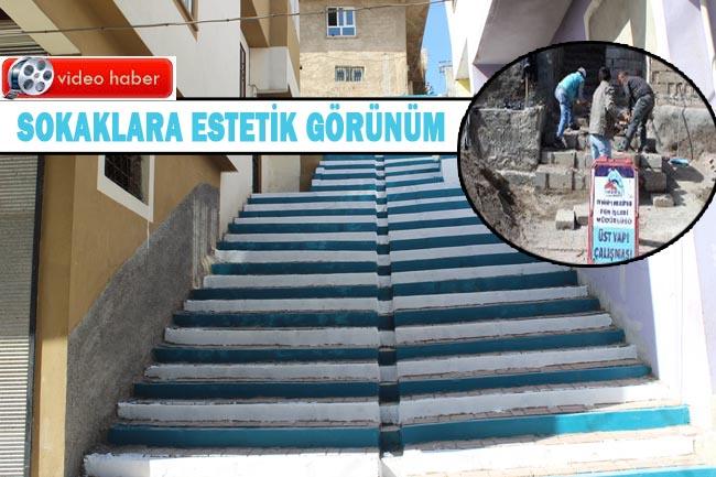 Eyyübiye Belediyesi merdivenleri boyuyor