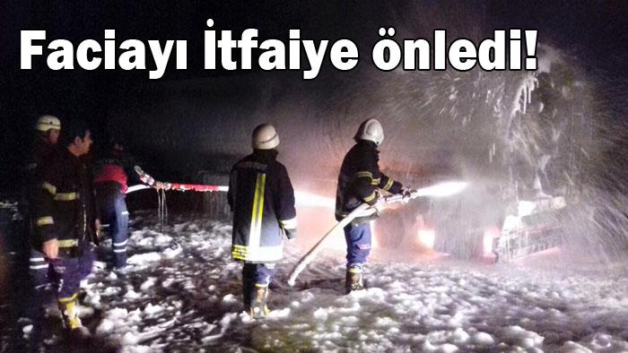 Urfa Mardin yolunda benzin yüklü TIR yandı, Faciayı İtfaiye önledi!
