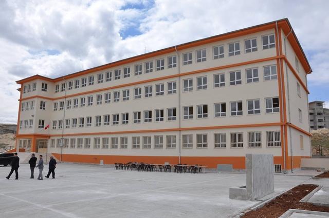 Urfa'nın bozova ilçesinde 32 derslik okul yapıldı