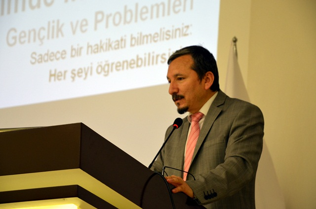 Harran Üniversitesinde Gençlere Yönelik Konferans