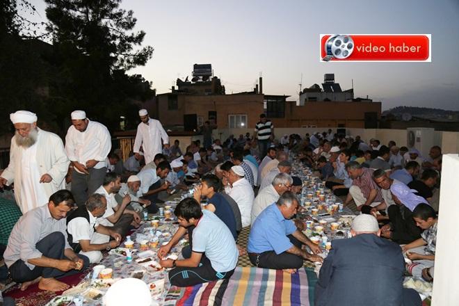 Haleplibahçe Mahallesinde geleneksel Kardeşlik iftarı düzenlendi